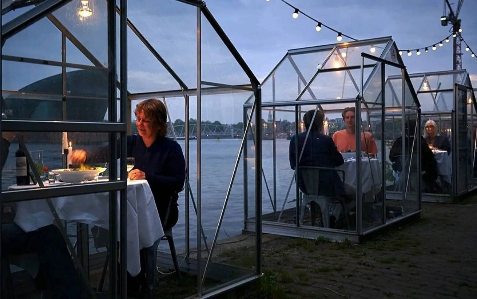 social_distancing_restaurant