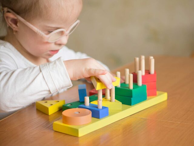 iCare Podcast #14: Adapting teaching strategies for children with adaptive needs